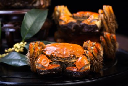 A Beijinger Won Hairy Crab Voucher Auction for RMB 9999 Yuan on JD
